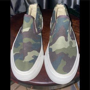 RESTRICTED slip on sneakers jean camo NEW